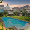 PRIVATE HOME AT LIPPO KARAWACI